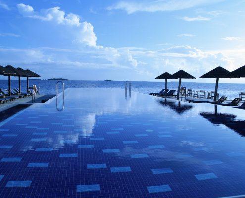 mantenimiento y reparación de piscinas